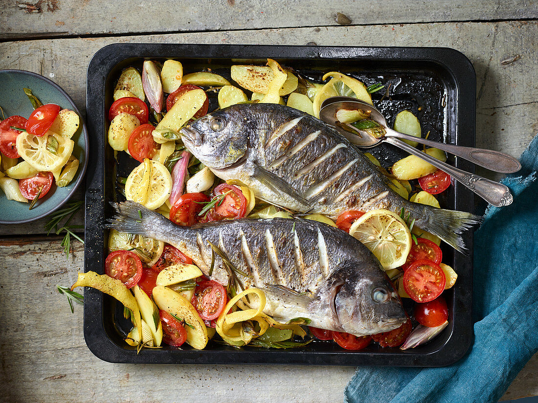 Oven-Baked fish Tray